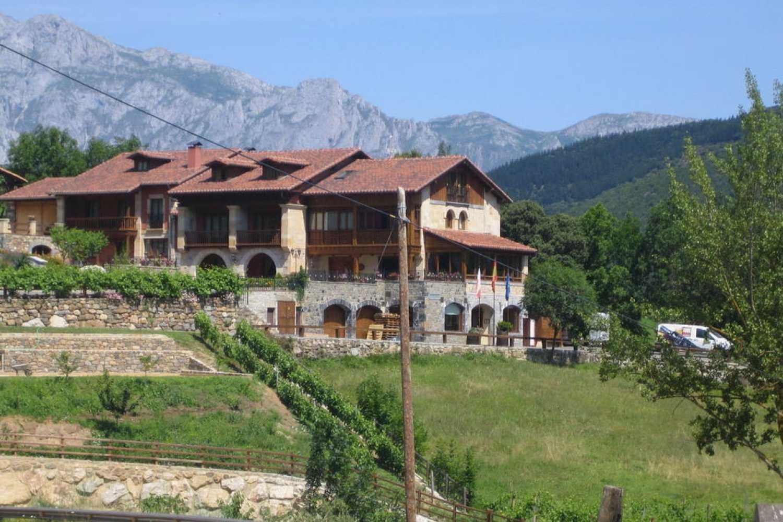 Hotel Casona Malvasia  Cantabria