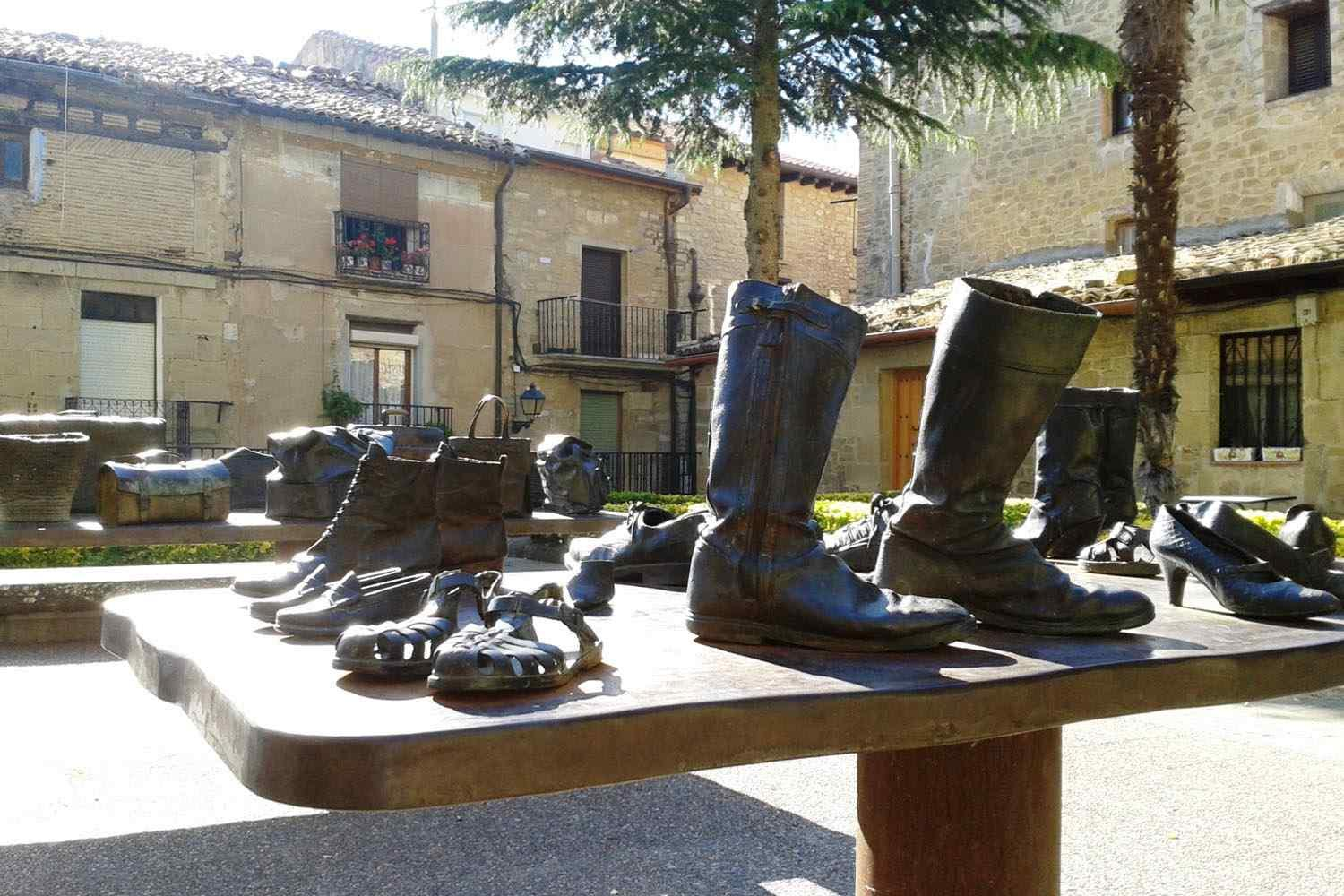 walking tour of Rioja. Winery tour by foot