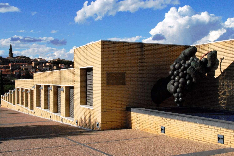 Exterior del Museo Dinastia Vivanco en Rioja, Briones