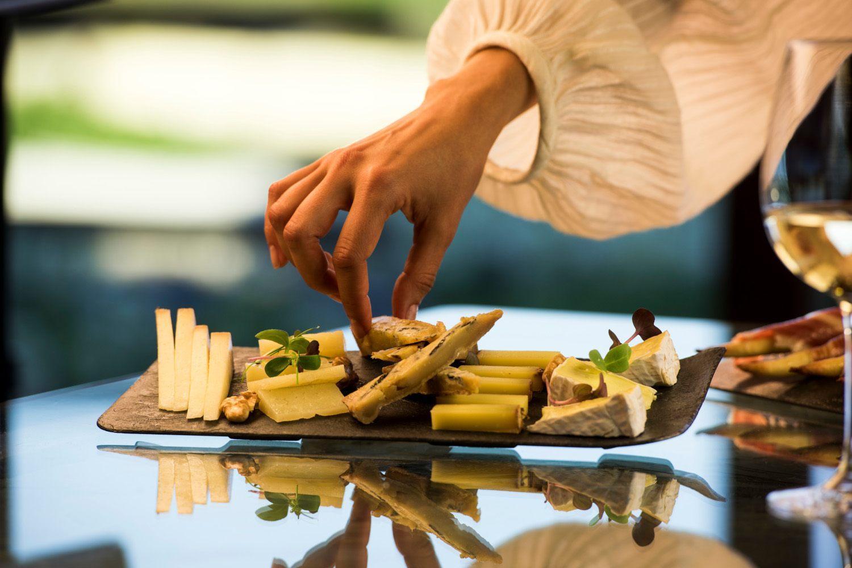 Maridaje de vinos y quesos en Bodegas Torres