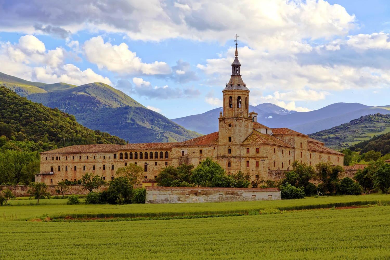 Día redondo en San Millán de la Cogolla, La Rioja - San Millán de la  Cogolla, La Rioja