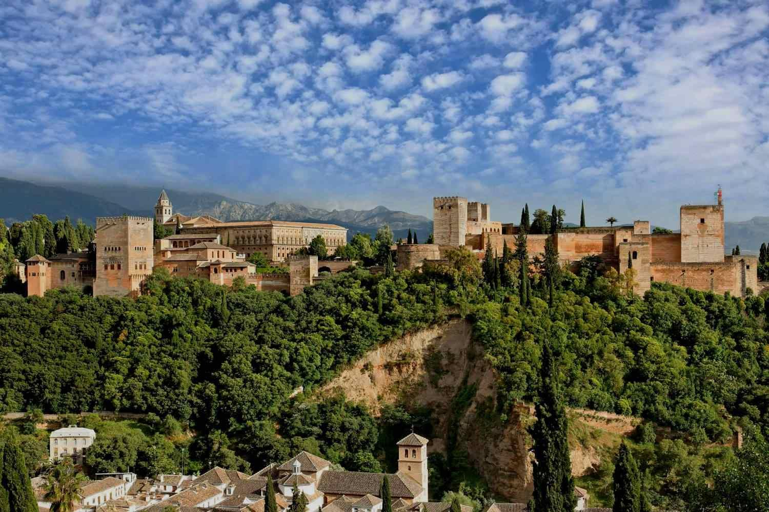 Best view of the Alhambra from San Nicolas viewpoint