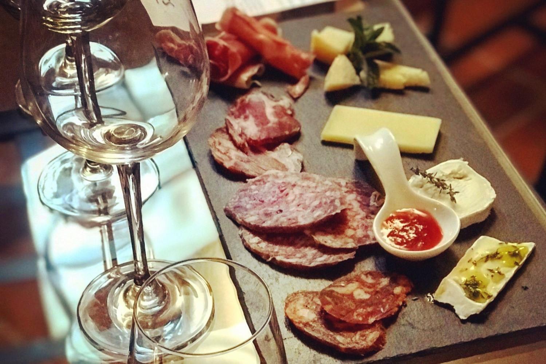 Maridaje de vinos y quesos en bodega - Ribera del Duero