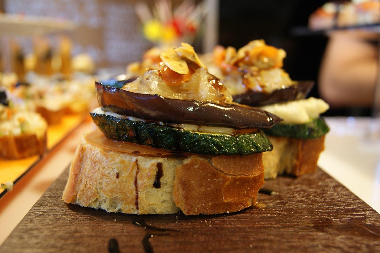 private tour in Bilbao with pintxos and tapas