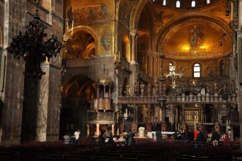 Small group Essence of Venice and 'Skip the Line' St Mark's Basilica Tours - St Mark's Basilica