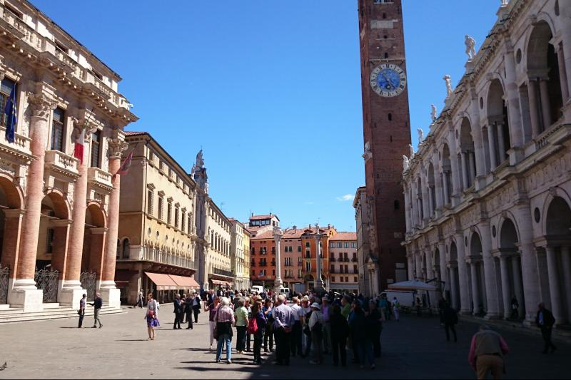 Private Milan Malpensa to Venice Transfer Tour