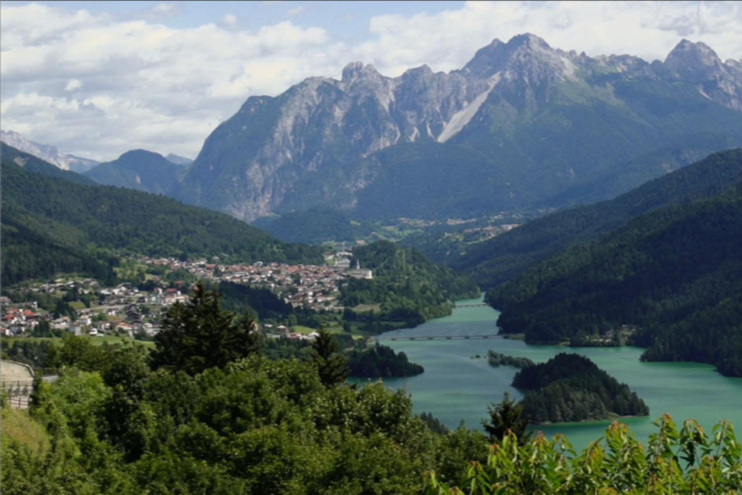 Private Venice Dolomites and Cortina Day Tours- Dolomites lakes