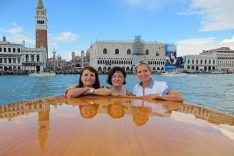 Avventure Bellissime's Small group Grand Canal Boat tour - luxurious motor-launch