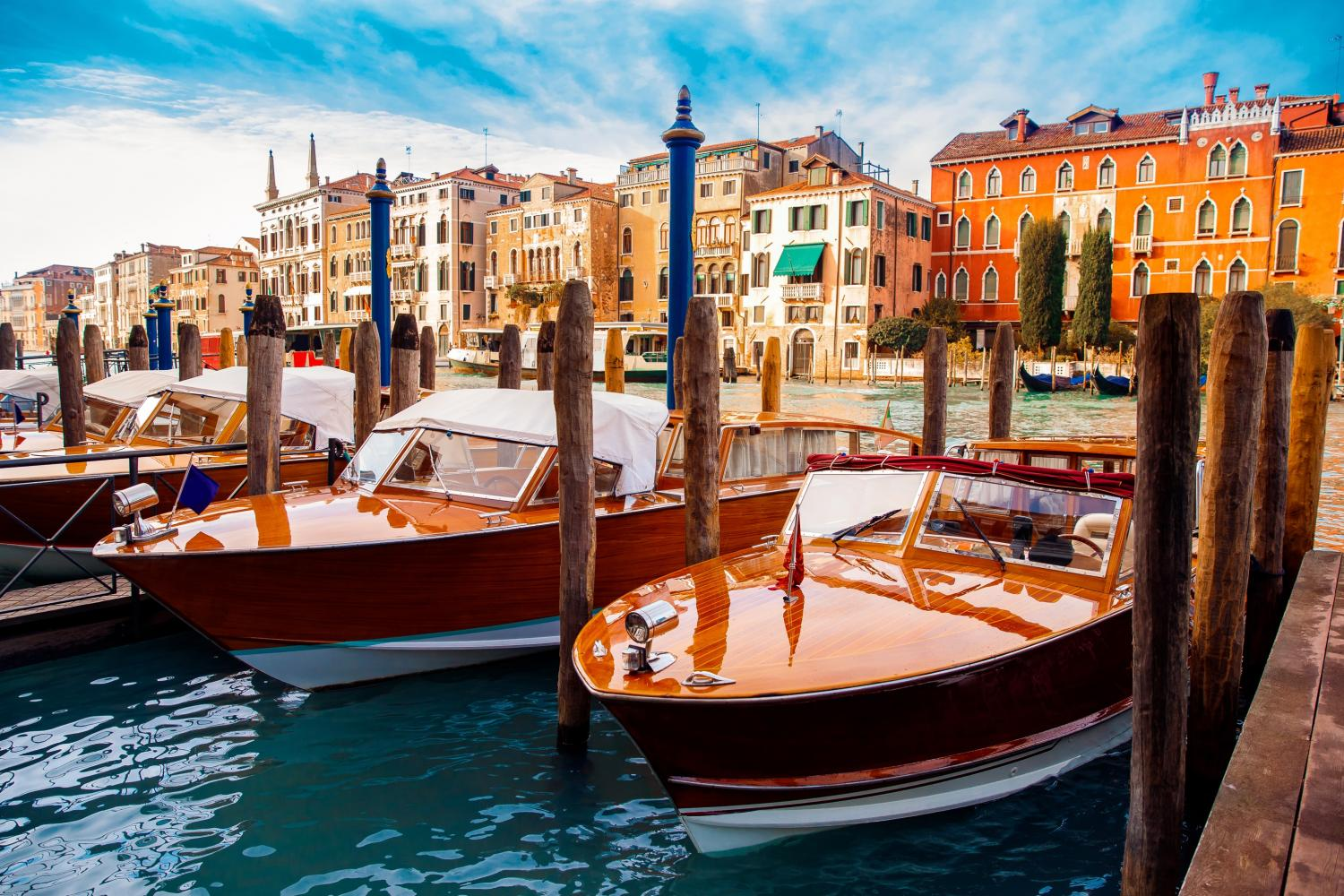 Small Group Grand Canal and Secret Corners of Venice by Boat