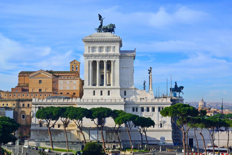 piazza Venezia featured in private best of Rome