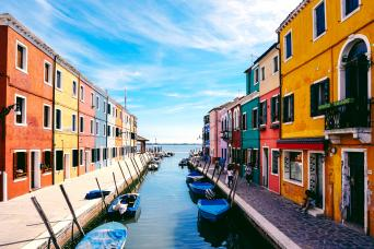 Half Day semi-private Murano and Burano Boat tour