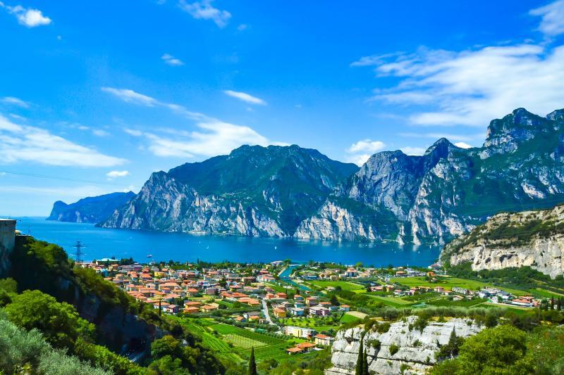 Private Garda lake & Valpolicella day tour from Venice