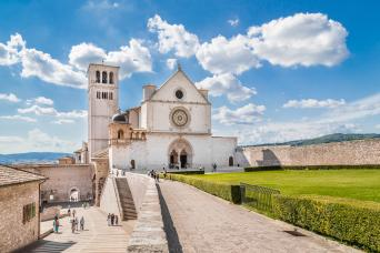 Private Rome Day Tour to Perugia & Assisi with wine tasting