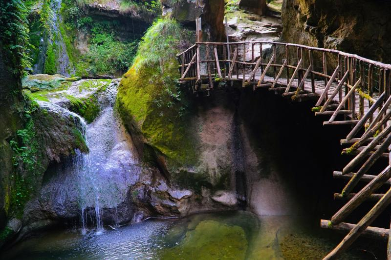 Veneto Trekking Experience: Caglieron Caves