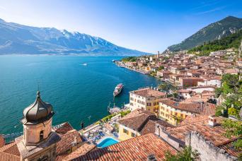 Lake Garda tour with private boat & Piaggio Ape calessino buggy