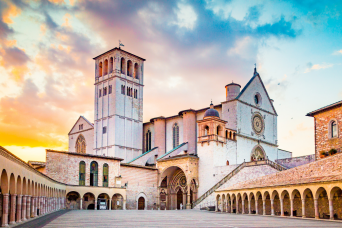 Private Assisi Walking Tour with St Francis Basilica