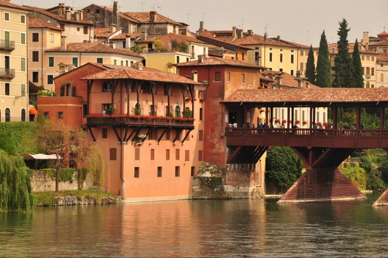 Prosecco Wine, Charming Hilltowns and Palladian Villa Day tour