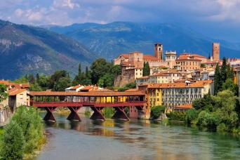 Small Group Hill Towns of Veneto Venice Day Trips - driver