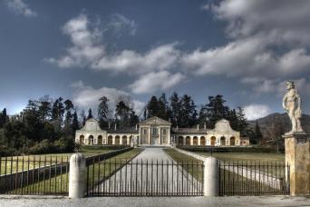 Small Group Hill Towns of Veneto Venice Day Trips - Palladio Villa Barbaro