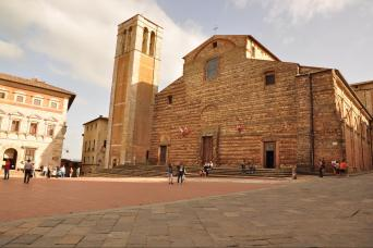 Pienza hilltown as featured in Small group Tuscany tour fro rome