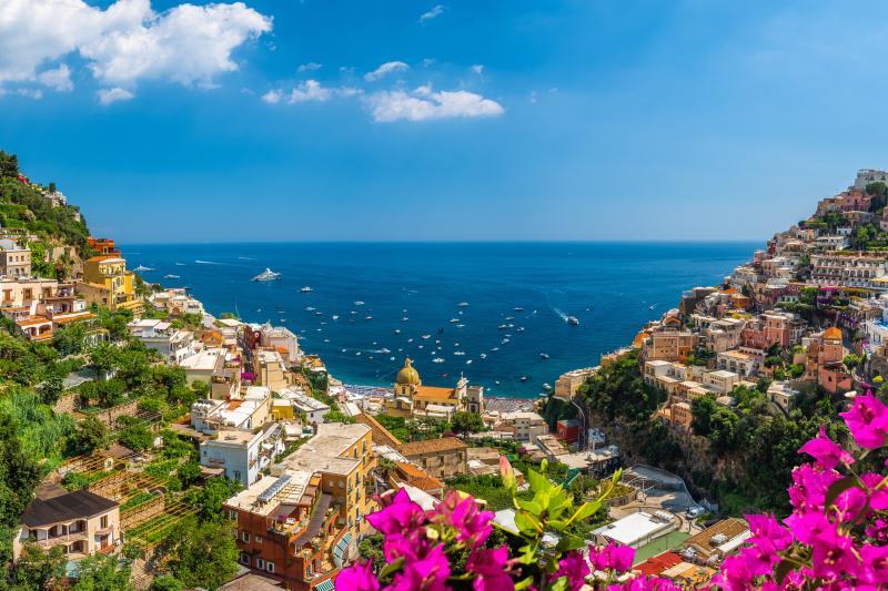 Semi private Pompeii, Positano & Amalfi coast with lunch included