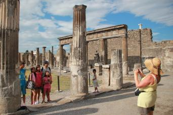 Rome Tours - Private Rome to Pompeii & Amalfi Day Tours