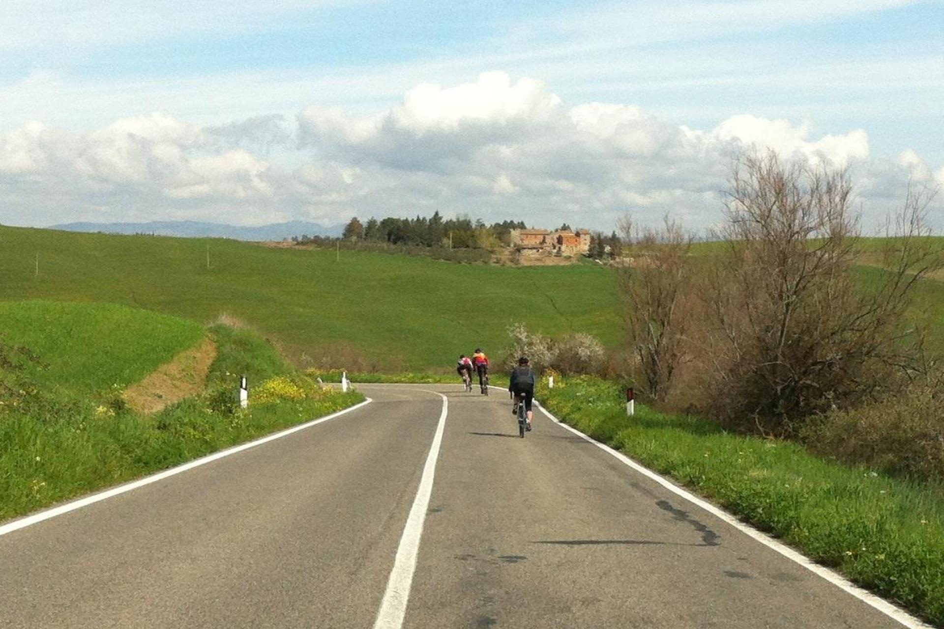 Cycling the quiet Umbria roads
