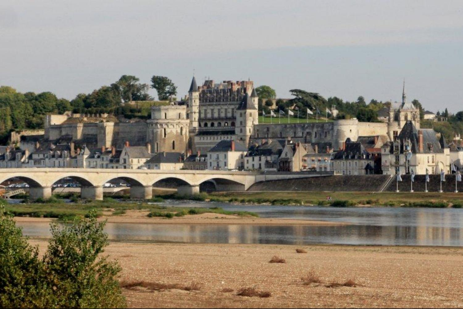 Bicycle tour to Amboise France, Amboise