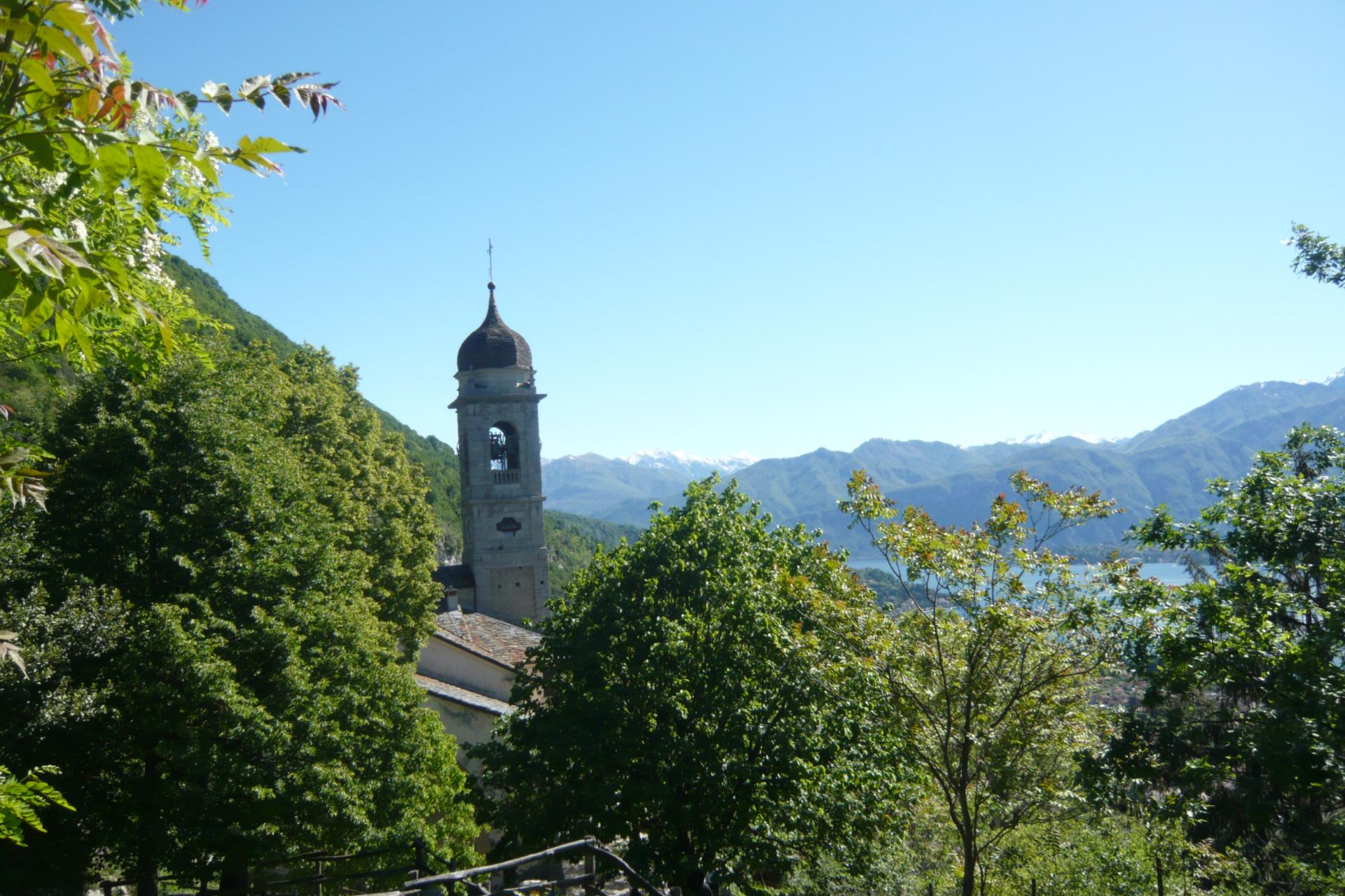 Hiking tour in Italy Lake Como, North Italy Dolomites area
