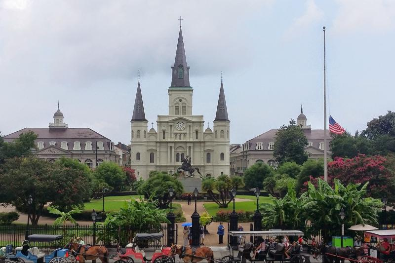 Livery Tours French Quarter and Cemetery Tour Thumbnail