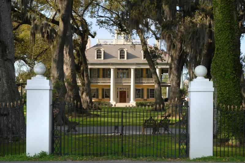 Gray Line Houmas House Plantation Tour Thumbnail