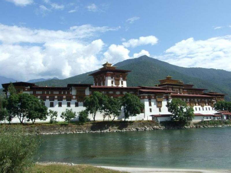 Cross Countries Tour (Bhutan, Sikkim & Nepal) - 26 days