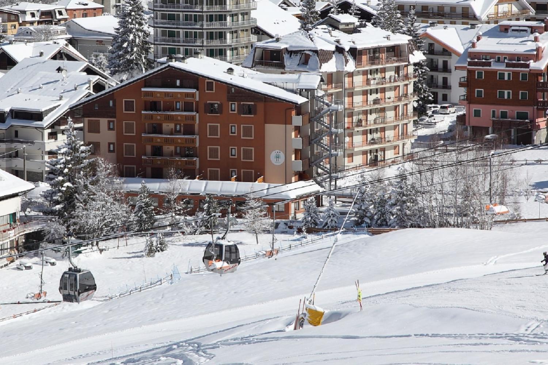 ski in ski out hotel Aprica