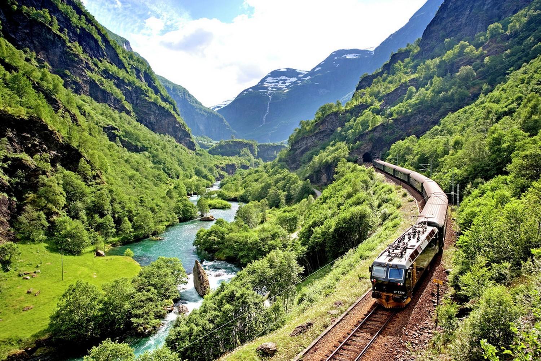 Rail & Hike: Oslo - Bergen