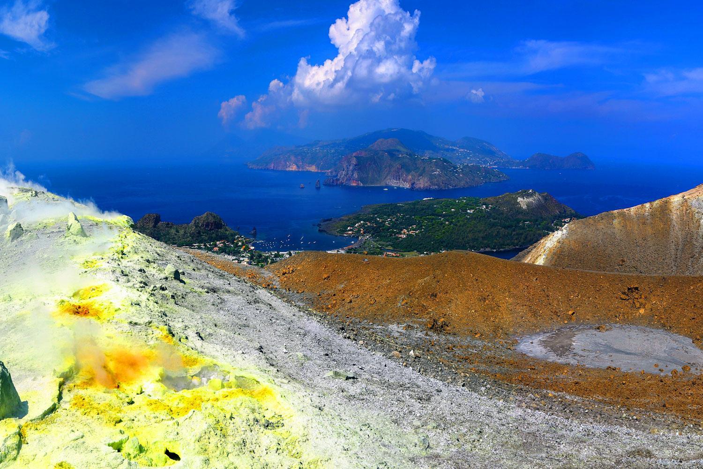 Wanderreise liparische Inseln und Taormina: Krater auf Vulcano