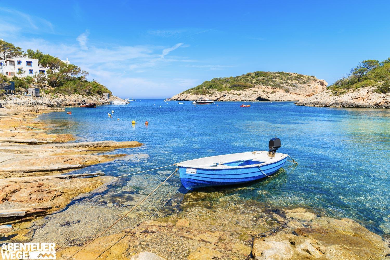 Wandern ohne Gruppe auf den stillen Pfaden Ibizas