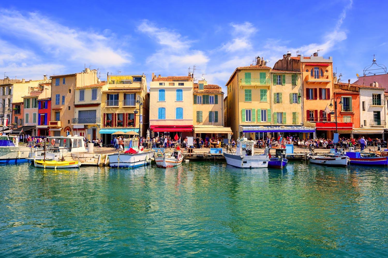 Provence: Von den Bergen an die Côte d'Azur: Hafenpromenade Cassis