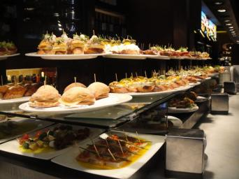 Tapas Walking Tour in Barcelona - Experience the best tapas in Barcelona on this tapas walking tour