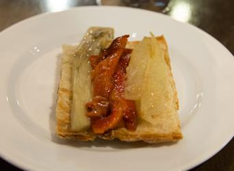 Barcelona Craft Beer Tasting with tapas - Barcelona Craft Beer Tasting with tapas - traditional catalan flat bread tapa