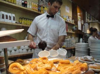 Tour de chocolate a pie por Barcelona - Tour de chocolate a pie por Barcelonac chocolate con churros