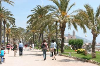 Private Wine Tour to Penedes and Sitges - Private Wine Tour to Penedes and Sitges - sitges sea promenada