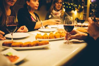 Food Lovers Walking Tour in Barcelona - Food Lovers tour to experience the best of Barcelona restaurants and nightlife