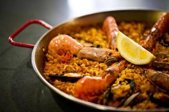 Market visit & Spanish cooking class in Barcelona - Cooking Classes in Barcelona paella