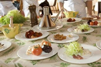 Home cooking at the Chef's in Barcelona - Taste traditional Spanish food prepared by you