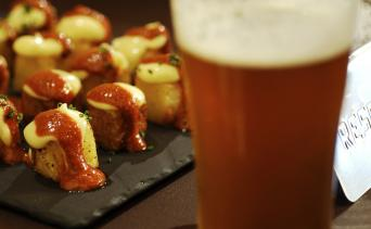 Private Barcelona Craft Beer Tour - Barcelona Raval Craft Beer Morning Tour. Tapas and Beer