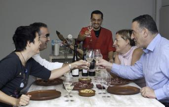 Ham & Wine Tasting Experience with lunch - Private - Ham and Wine Tasting Experience in Barcelona