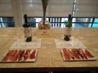 Ham & Wine Tasting Experience with lunch - Private - Ham and Wine Tasting Experience in Barcelona. Ham and Wine pairing