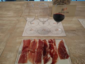 Ham & Wine Tasting Experience with lunch - Private - Ham and Wine Tasting Experience in Barcelona. Iberian ham also called