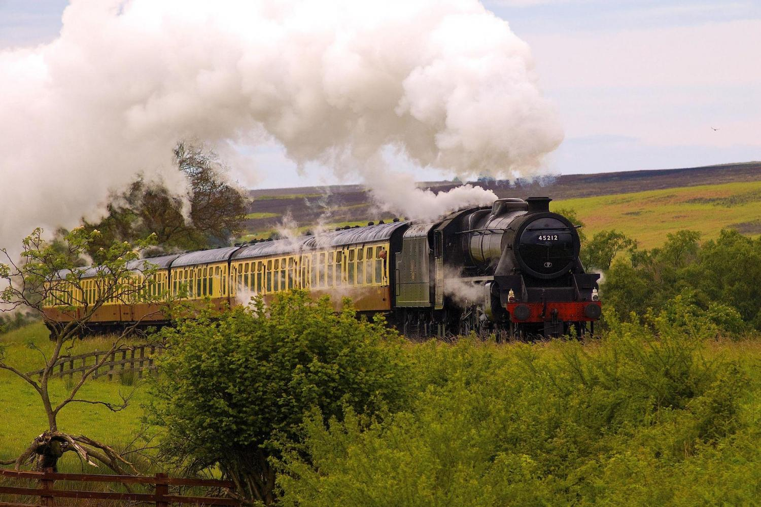 Steam Engine on the North Yorks Railway. Image by Thomas Tolkien. Licence: CC-by-SA-2.0